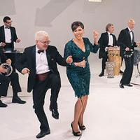 AN EVENING WITH PINK MARTINI